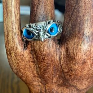 A blue eyed owl ring